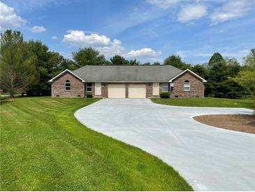Photo one of 4809 State Road 39 Rd Martinsville IN 46151 | MLS 21817278