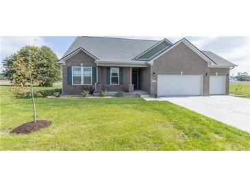 Photo one of 7163 N Lakeshore Dr Greenfield IN 46140 | MLS 21817492
