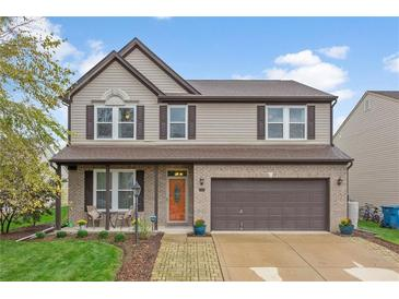 Photo one of 5826 Copeland Mills Dr Indianapolis IN 46221 | MLS 21817948