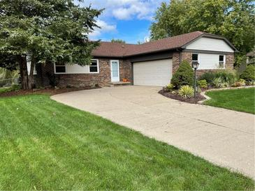 Photo one of 11706 Cameron Dr Fishers IN 46038 | MLS 21818159