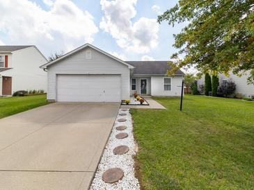 Photo one of 1647 Sweetwater Ln Greenfield IN 46140 | MLS 21818457