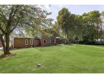 View 812 Eaglewood Dr Zionsville IN
