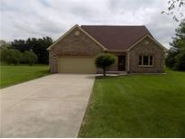 View 1131 W Willow Run Ct Mooresville IN