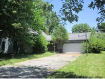 View 13265 San Vincente Blvd Fishers IN