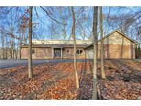 View 2863 Fox Lake Dr Martinsville IN