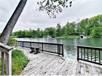 View 847 W Lakeview Dr Nineveh IN