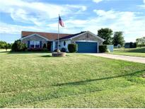 View 5825 E County Road 800 Mooresville IN