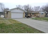 View 2119 Remington Dr Indianapolis IN