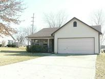 View 1029 Pin Oak Dr Mooresville IN