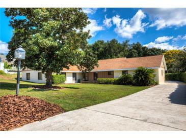 Photo one of 1405 Chesterfield Ct Eustis FL 32726 | MLS G5034849
