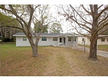 Photo one of 1014 N New Hampshire Ave Tavares FL 32778 | MLS G5037424