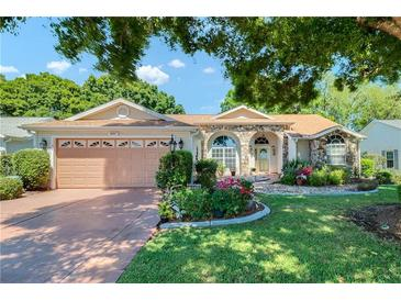 Photo one of 3901 River Crest Cir Leesburg FL 34748 | MLS G5040535