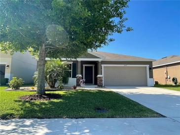 Photo one of 4997 Grassy Knoll Dr Tavares FL 32778 | MLS G5040609