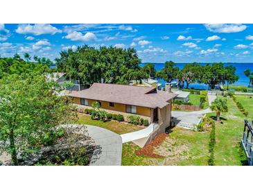 Photo one of 12815 Lakeview Ave Clermont FL 34711 | MLS G5042712