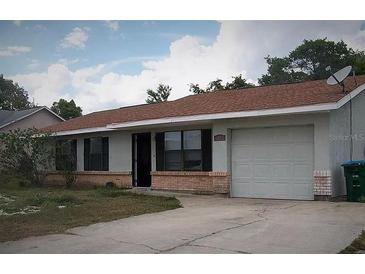 Photo one of 1942 Peoria St Deltona FL 32738 | MLS O5916349