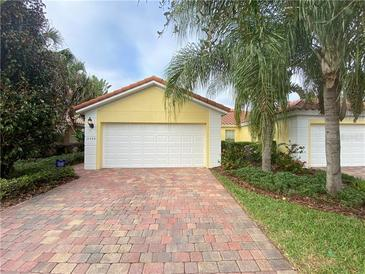 Photo one of 11924 Fiore Dr Orlando FL 32827 | MLS O5924791