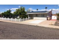 View 6114 W Tierra Buena Ln Glendale AZ