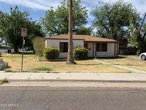 View 5901 W Orangewood Ave Glendale AZ
