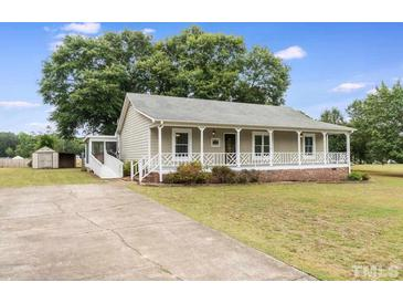 Photo one of 2205 Englewood Dr Clayton NC 27520 | MLS 2387664
