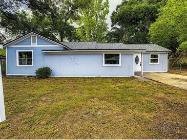 Photo one of 4014 Riverhills Dr Tampa FL 33617 | MLS A4503464