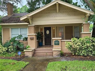 Photo one of 2560 1St S Ave St Petersburg FL 33712   MLS A4512132