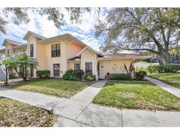 Photo one of 313 Knottwood Ct Sun City Center FL 33573 | MLS T3291781