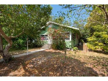 Photo one of 530 5Th Ave Sw Largo FL 33770 | MLS T3299404