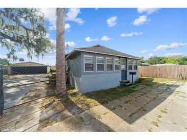 Photo one of 305 N Pennsylvania Ave Plant City FL 33563 | MLS T3299966