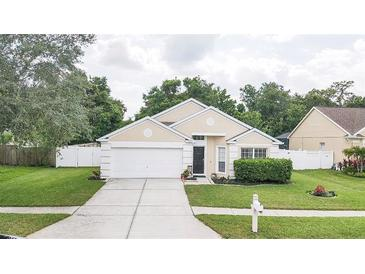 Photo one of 1635 Tangledvine Dr Wesley Chapel FL 33543 | MLS T3304535