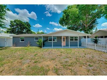 Photo one of 3207 Acacia St Lutz FL 33558 | MLS T3309173