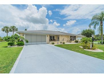 Photo one of 807 Bluewater Dr Sun City Center FL 33573 | MLS T3318883