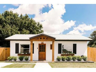 Photo one of 701 W Woodlawn Ave Tampa FL 33603 | MLS T3329219
