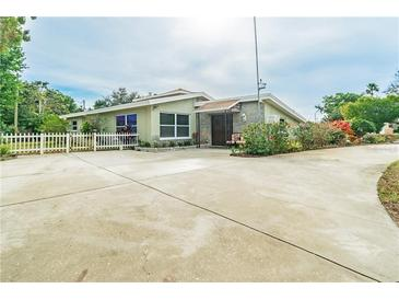 Photo one of 10598 Orange Blossom Ln Seminole FL 33772 | MLS U8109661