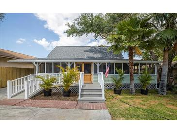 Photo one of 1306 Lakeview Rd Clearwater FL 33756 | MLS U8118823