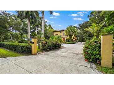 Photo one of 8102 Bay Dr Tampa FL 33635 | MLS U8139796