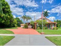 View 7531 Westmoreland Dr Sarasota FL