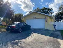 View 5700 Tanglewood Dr Ne St Petersburg FL