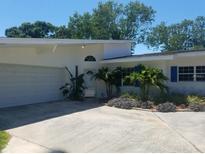 View 7604 Lakeside Blvd Tampa FL