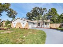 View 8803 Oak Cir Tampa FL