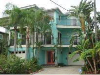 View 7702 Bayshore Dr Treasure Island FL