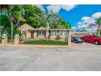 View 72 N Park Ave Tarpon Springs FL