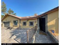 View 2909 La Mesa Dr Henderson NV